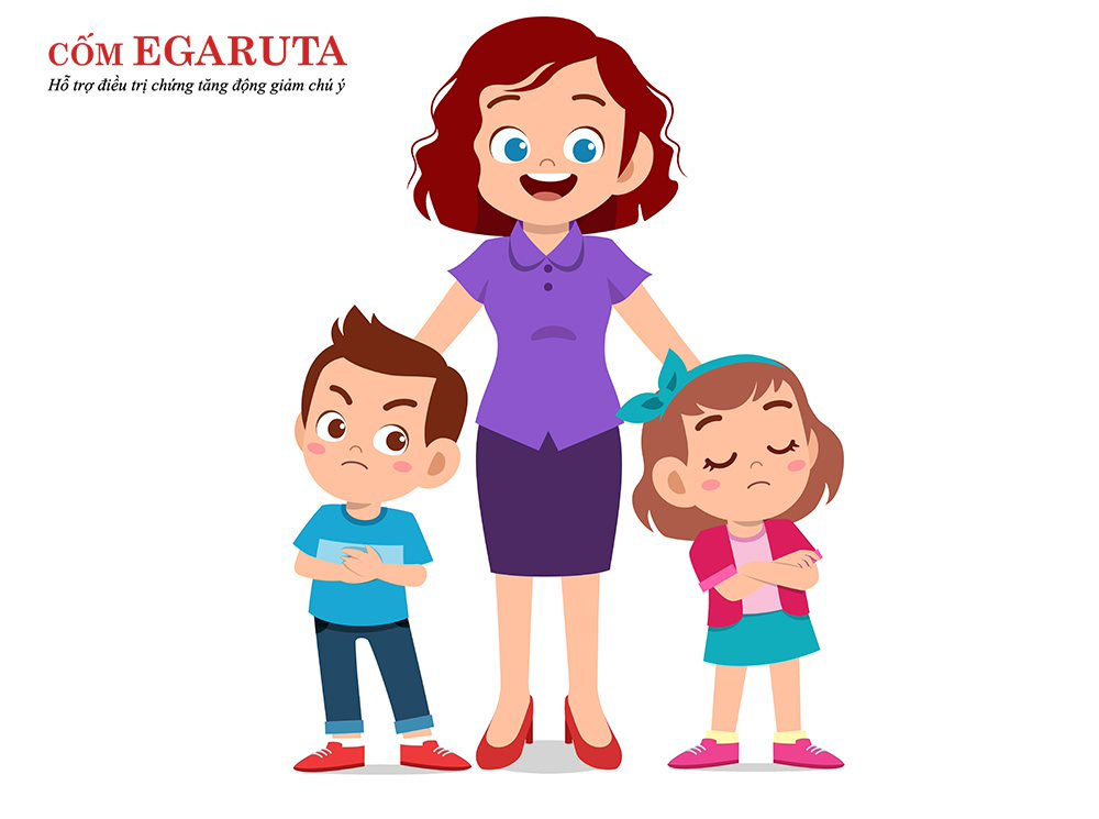Cha mẹ nên nhẹ nhàng khuyên bảo, giải thích để trẻ hiểu về hành vi không đúng của mình